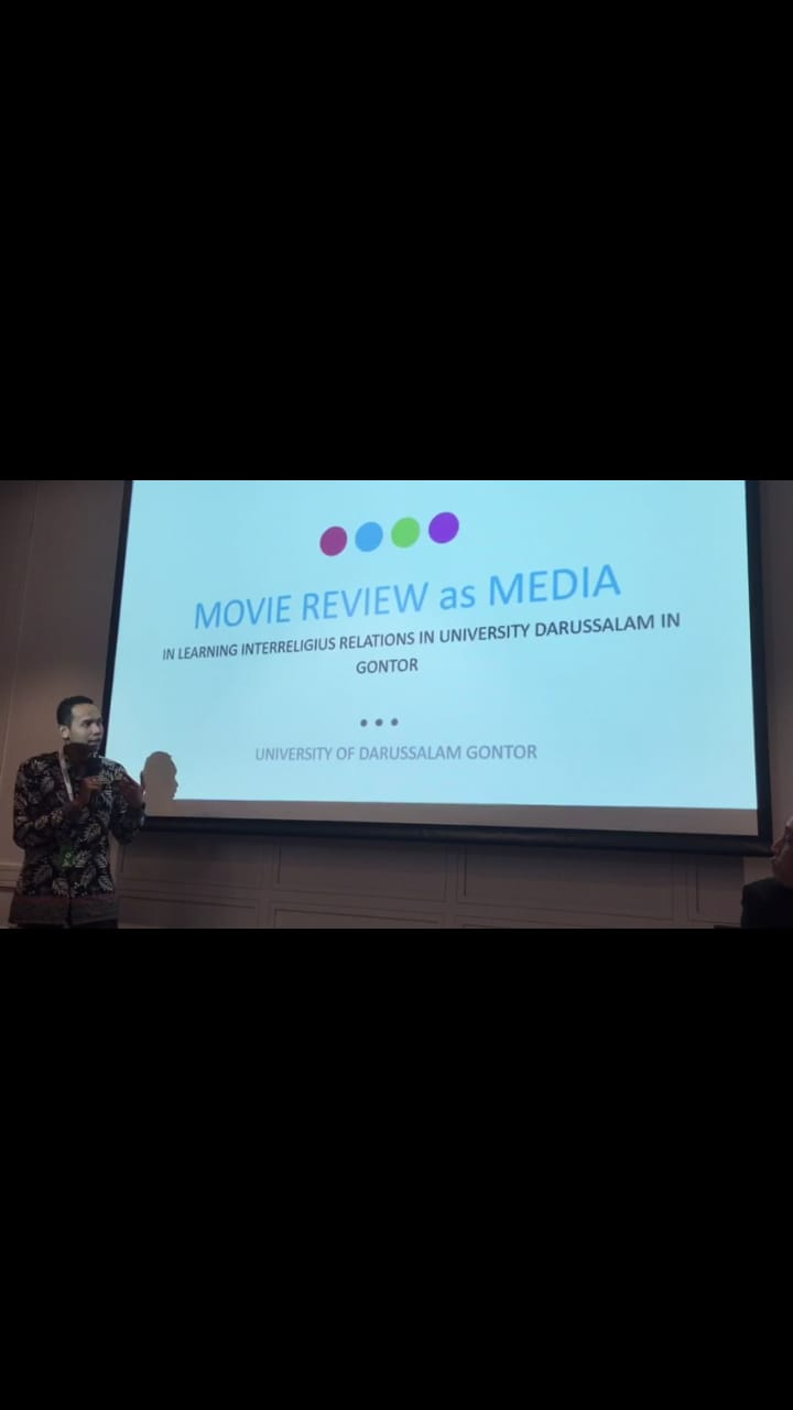 movie-review-presentasi-aicis-studi-agama-agama-saa-unida-gontor